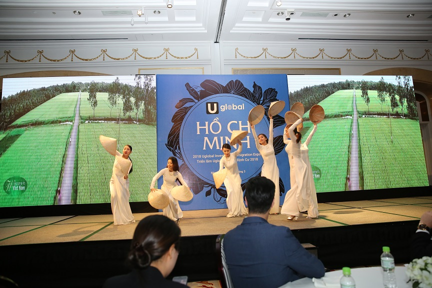 Traditional Dance Performance at Ho Chi Minh City Expo